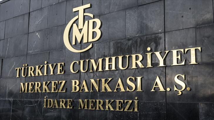 <p>Merkez Bankası yeni nesil her saat anlık perakende ödeme uygulaması Fonların Anlık ve Sürekli Transferi (FAST) Sistemi'nin kullanıma açıldığını duyurdu.</p> <p></p> <p>Türkiye Cumhuriyet Merkez Bankası (TCMB) bünyesinde geliştirilen yeni nesil 7/24 anlık perakende ödeme uygulaması Fonların Anlık ve Sürekli Transferi (FAST) Sistemi, bankalarla sürdürülen pilot testlerin tamamlanmasının ardından, bugün itibarıyla kullanıma açıldı. Merkez Bankası'ndan yapılan açıklamaya göre FAST Sistemi ile birlikte, elektronik ödemelerin sisteme kayıtlı T.C. kimlik numarası, telefon numarası ve e-posta adresi ile kolay ve pratik bir şekilde başlatılmasını sağlayan Kolay Adresleme Sistemi de kullanıma sunuldu.</p> <p></p> <p>FAST Sistemi, yaygın kullanımının yakından izlenmesi amacıyla, ilk aşamada 50 TL limitli olarak başlatıldı. Bu limit, kullanımın yaygınlığına göre kademeli şekilde artırılarak 1000 TL'ye kadar yükseltilecek. FAST Sistemi, işlem limitlerinin daha yüksek seviyelere çıkarılması ve karekodlu ödemeler ile ödeme isteme gibi katma değerli yeni özelliklerin de yakın vadede eklenmesiyle, dijital ekonominin bir üst seviyeye taşınmasına önemli katkılar sağlayacak.</p>