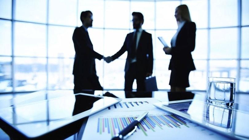 <p>TOBB illere Göre Kurulan Şirketlerin 11 aylık Sermaye Dağılımı sonuçlarını açıkladı. Erzurum'da bu yılın Kasım ayında kurulan 21 şirket sermayesinin 7,0 milyon; Ocak-Kasım döneminde kurulan 280 şirket sermayesinin 167,7 milyon TL olduğu bildirildi. Erzurum Bölge illeri içinde şirket sermayesi toplamı büyüklüğü bakımından 4'üncü sırada yer aldı.</p> <p></p> <p>Bölgesel Veriler Ve Erzurum<br />TOBB verilerine göre, Kasım ayı bazlı şirket kurulum sermayesi, 21 şirketin kurulduğu Erzurum'da 7,0 milyon, 31 şirketin kurulduğu KUDAKA İstatistik Bölgesinde 10,2 milyon, 47 şirketin kurulduğu Kuzeydoğu Anadolu istatistik Bölgesinde 20,9 milyon, 174 şirket kurulumunun kaydedildiği Doğu Anadolu Bölgesinde ise 98,1 milyon olarak bildirildi.<br />Bölgesel Veriler Ve Erzurum<br />TOBB şirket kurulum sermayesi verilerine göre, bu yılın 11 ayında şirket kurulum sermayesi, 280 şirketin kurulduğu Erzurum'da 167,7 milyon, 422 şirketin kurulduğu KUDAKA İstatistik Bölgesinde 208,5 milyon, 685 şirketin kurulduğu Kuzeydoğu Anadolu istatistik Bölgesinde 422.7 milyon, bin 265 şirket kurulumunun kaydedildiği Doğu Anadolu Bölgesinde ise 1.2 milyar TL olarak bildirildi.</p> <p></p> <p>Erzurum'un Sermaye Payı<br />TOBB verileri üzerinden DOSİAD tarafından yapılan hesaplamalara göre, Erzurum'un bu yılın ocak - Kasım ölçeğinde şirket kurulum sermayesi payı KUDAKA İstatistik Bölgesinde yüzde 80,3, Kuzeydoğu Anadolu İstatistik Bölgesinde yüzde 40, Doğu Anadolu Bölgesinde ise yüzde 13,28, Türkiye'de yüzde 0.37 olarak değerlendirildi.<br />Bölge İlleri Dağılımı<br />11 aylık ölçütte şirket kurulum sermayesi Van'da 234,5 milyon, Erzurum'da 167,7 milyon, Elazığ'da 184,3 milyon, Malatya'da 174,7 milyon, Ağrı'da 117,7 milyon, Muş'ta 72,7 milyon, Iğdır'da 56,6 milyon, Bingöl'de 39,1 milyon, Ardahan'da 21,6 milyon, Bitlis'te 67,5 milyon, Hakkari'de 65,7 milyon, Kars'ta 18,1 milyon, Erzincan'da 36,0 milyon ve Tunceli'de 8,5 milyon TL olarak bildirildi.</p>