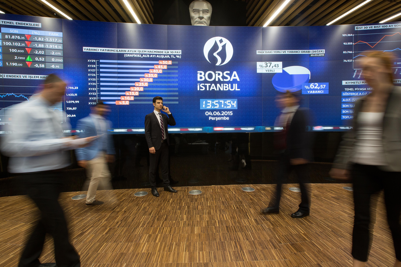 <p>Borsa, güne yüzde 0,81'lik yükselişle başladı.</p> <p></p> <p>Borsa İstanbul 100 (BIST) endeksi güne yüzde 0,81'lik yükselişle başladı. Endeks, 12,05 puanlık artışla 1.501,61 puan oldu. Açılışta bankacılık endeksi yüzde 1,22, holding endeksi yüzde 0,60 değer kazandı.</p>